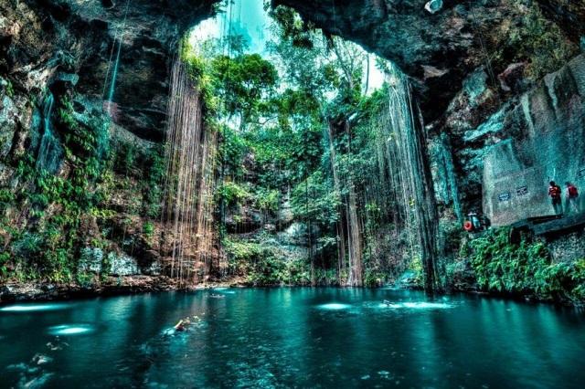 Cenote-Riviera-Maya