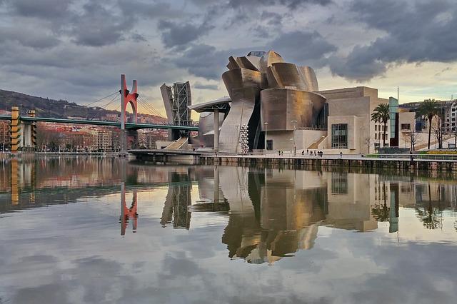 Museo-Guggenheim-Que-ver-en-Bilbao